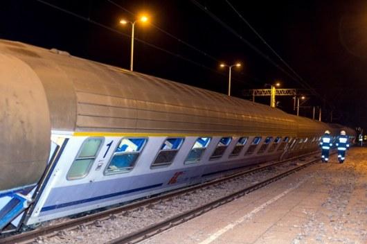 ВПольше грузовой поезд столкнулся спассажирским, есть пострадавшие